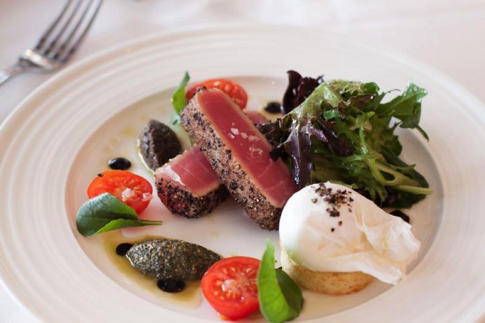 Taratata Bistrot - Seared Tuna Salad