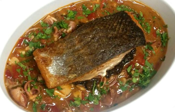 Fresh Atlantic Salmon in Lobster Broth - Taratata Bistrot